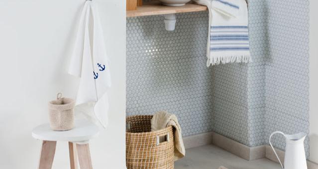 salle de bains : une envie de simplicité - collège des tendances - Plinthe Salle De Bain