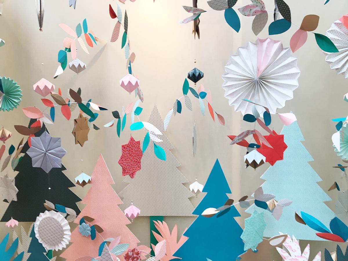 une proposition tout en légèreté et papiers découpés de couleurs pastel. Vu sur l'Allée de l'inspiration au Salon Créations & Savoir-Faire