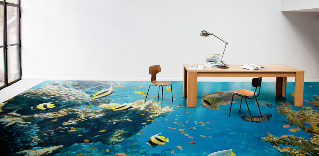 un sol vinyle effet aquarium avec des poissons imprimés en digital. Une création Beauflor